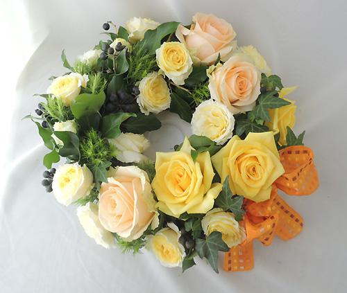 黄色いバラのリース(母の日)
