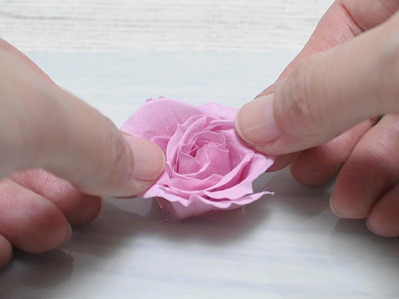 ハーバ・レジン・花の形を整える